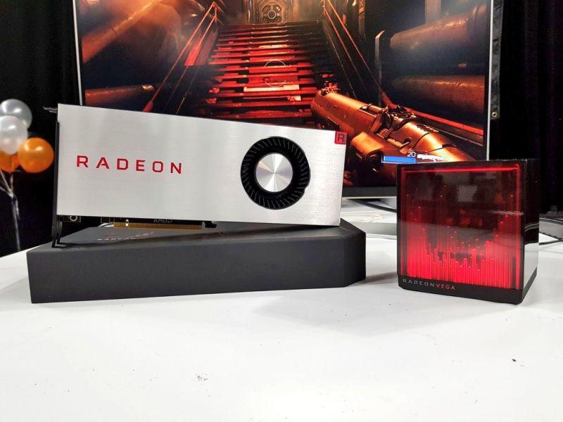 AMD-RX-Vega-LE-Holocube.jpg
